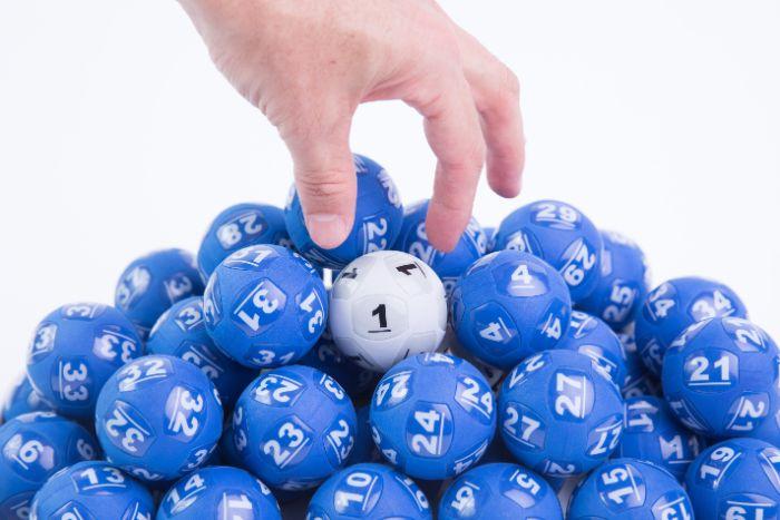Nếu các bạn đã chơi lô đề từ lâu thì chắc chắn sẽ biết đến cách nuôi dàn đề từ các cặp số